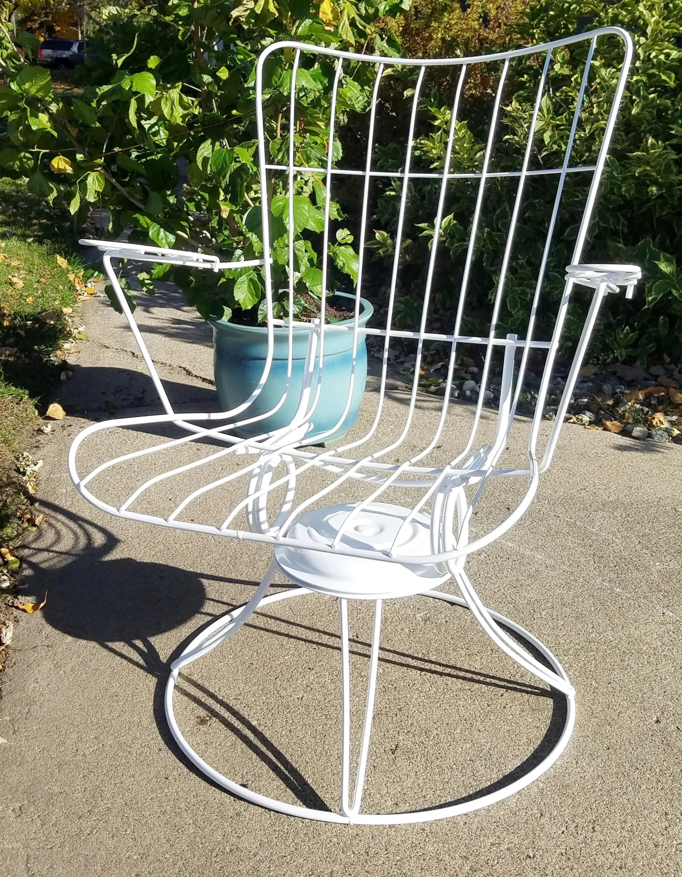vintage mid century modern patio lounge chair by homecrest fully restored indoor outdoor wire swivel rocker chair in white or black