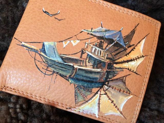 Slim steampunk wallets. Beige leather mens wallet. Hand painted.