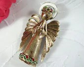 Vintage ART Angel Brooch on an Antiqued Gold Finish - Christmas Angel Brooch Pin - Christmas Accessory - Holiday Pin - Angel Holiday Brooch