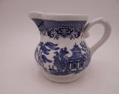 Vintage Bridgwood & Sons Ringtons Made in England Blue and White Willow Ware Creamer