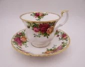 """Vintage Royal Albert """"Old Country Roses"""" English Tea Cup and Saucer Set English Teacup"""