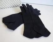 Vintage Crescendoe Navy Scalloped Edge Gloves - Size 6.5 Navy Wrist Length Gloves - Tea Church Opera Prom- BG-SN-3