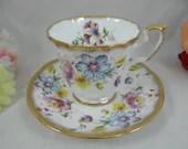 1960s Vintage Elizabethan English Bone China Teacup Floral Bouquet English Teacup and Saucer Outstanding English Tea Cup