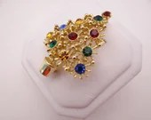 Vintage Red Green and Yellow Rhinestone Christmas Tree Brooch Pin on a Gold Setting - Multi Color Rhinestone Christmas Brooch