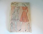 Vintage 1940s Advance #2433 Knee Length Dress Sewing Pattern a Size 18  with Bust 36  and Hip 39 a Complete Unprinted Pattern