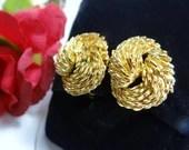 Vintage Gold Tone Textured Swirl Clip earrings Pretty Textured Clip on Earrings - Vintage Gold Bow Earrings - Classic and Elegant Earrings