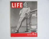 """Vintage 1942 Life Magazine July 20 WWII Wartime Issue """"Short Coat"""" - Russian Battlefront - Jeep"""