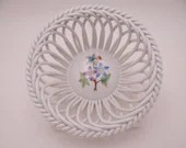 """Vintage Herend Hungary Hand Painted """"Queen Victoria"""" Small Open Weave Bowl Just Beautiful"""