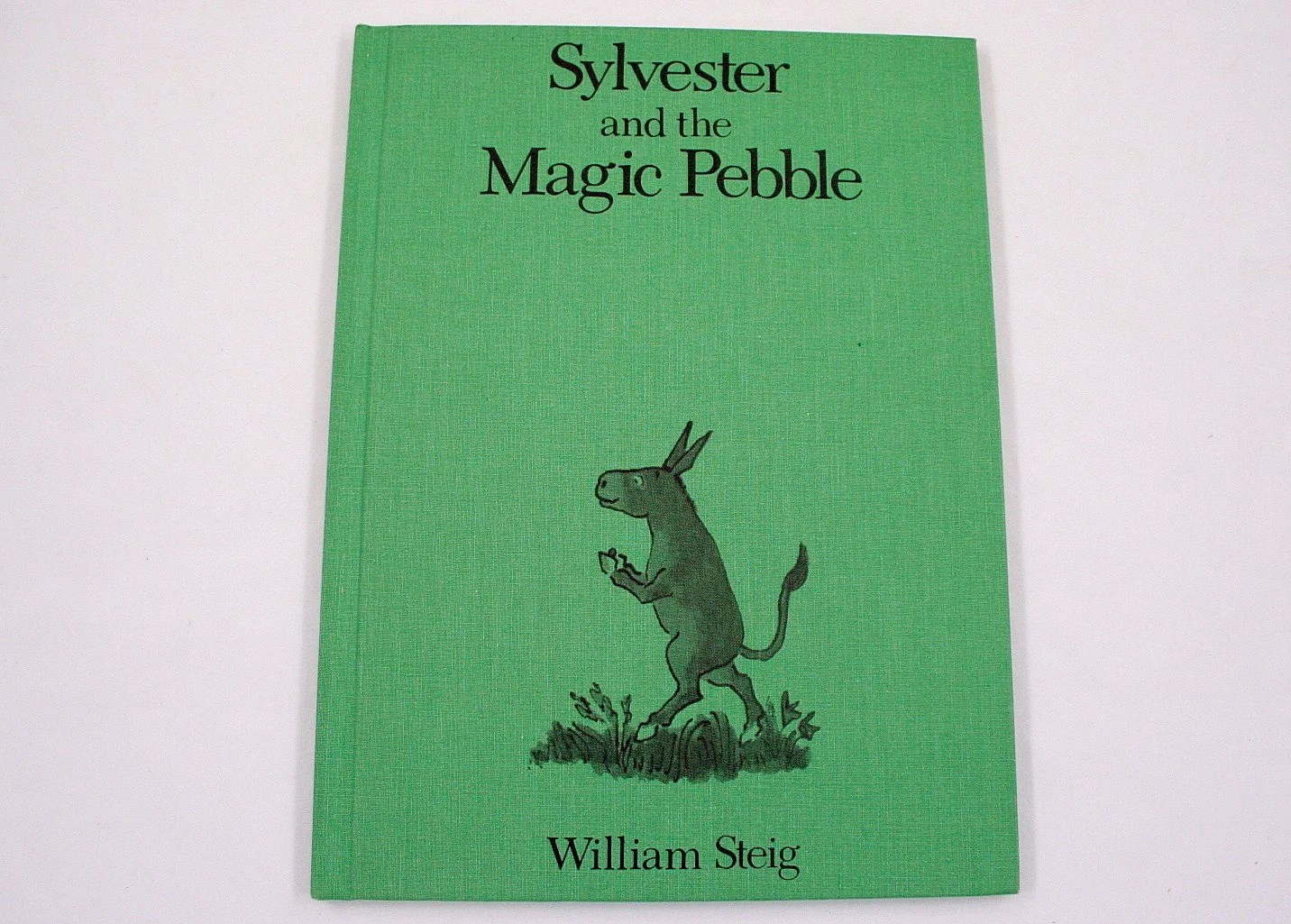 Vintage Sylvester And The Magic Pebble Hardback Book