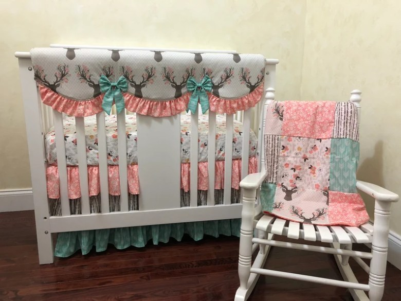 BabyBeddingbyJBD - Girl Mini Crib Bedding - Deer Theme