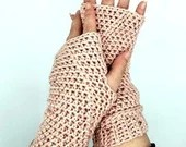 Wrist Warmers in 'Blush Tweed'