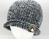 Velvet Flapper hat in 'Smoky Green'