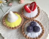 Felt Tarts, Pretend Food, Cupcakes, Play Food, Tea Party, Play Kitchen, Bakery Toy, Pastry, Play Shop, Strawberries, Blueberries