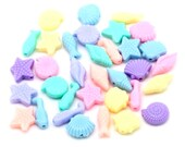 Pack of 100 Assorted Colours Ocean Spacer Beads. Mix of Candy Colour Charms.