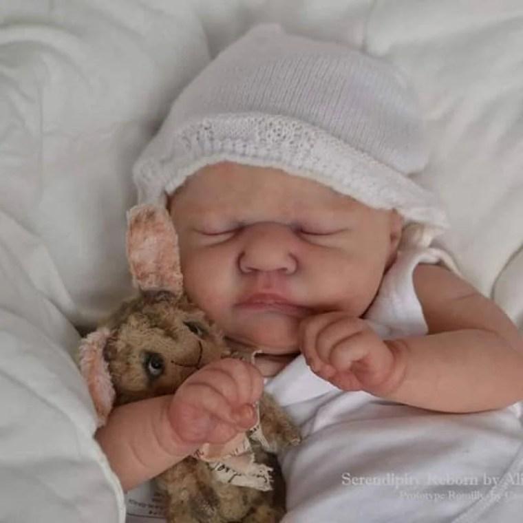 Reborn Babies - Custom Reborn Baby - Romilly By Cassie Brace - 19 inches Full limbs 5-7 lbsCustom Reborn Baby Doll. Vinyl.