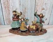 Lang Susan Winget Christmas Friendly Folk Love Joy Peace Figurine
