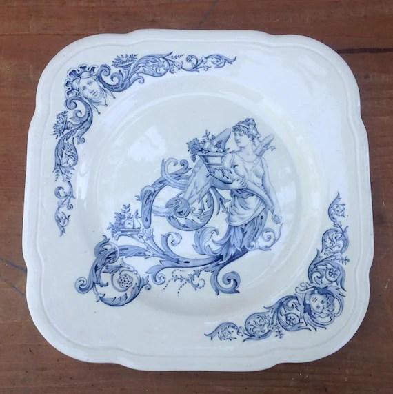 assiette ancienne de clairefontaine en terre de fer modele renaissance