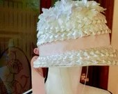 Vintage White Bonnet with Pink Ribbon, 1950s Easter Hat, ,Girls vintage bonnet, Vintage spring hat/ Easter hat