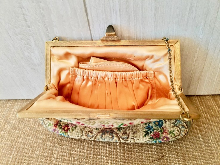 Tapestry Purse  Floral True Vintage Bag 30s/ With Matching Pocket Mirror