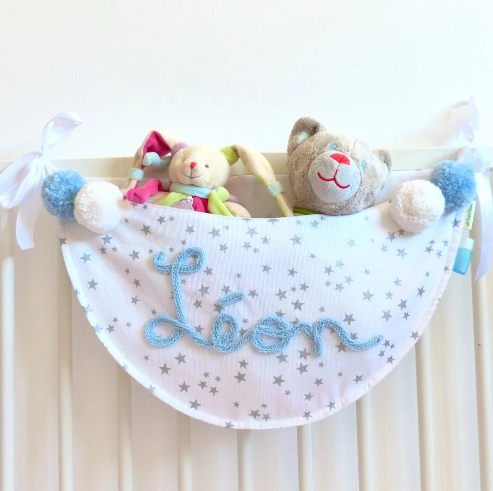 range doudous hamac a peluches decoration bebe tissu etoiles cadeau enfant liste de naissance leon cadeau bapteme cadeau prenom tricotin