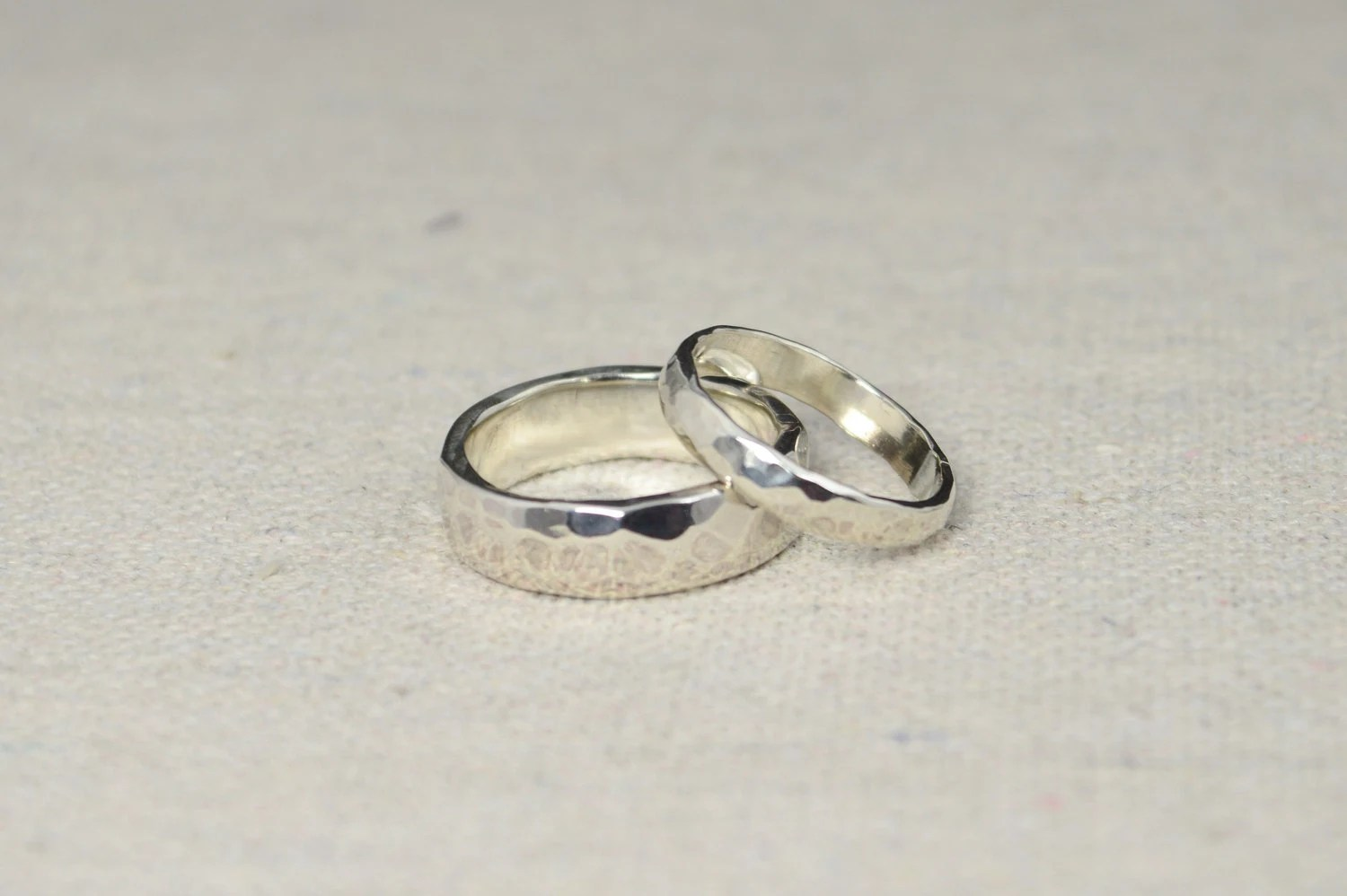 hammered silver wedding bands rustic wedding rings wedding ring set sterling silver inside ring engraving included inexpensive bands