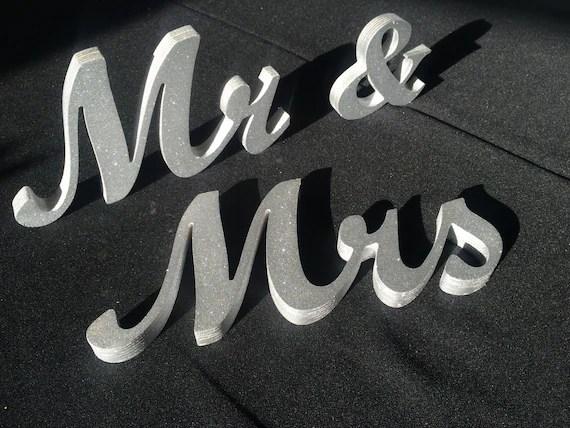 Wooden 'Mr & Mrs' Letters 4 5 6