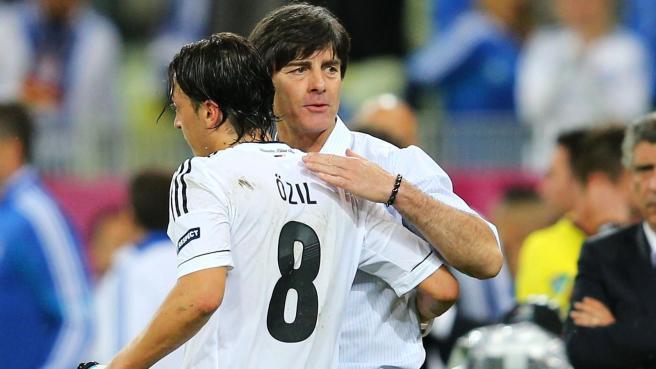 Affaire Mesut Özil: L'entraîneur Joachim Löw très déçu par l'attitude du joueur
