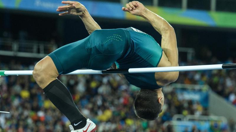 O brasileiro Flavio Reitz nos saltando Jogos Paraolímpicos Rio 2016