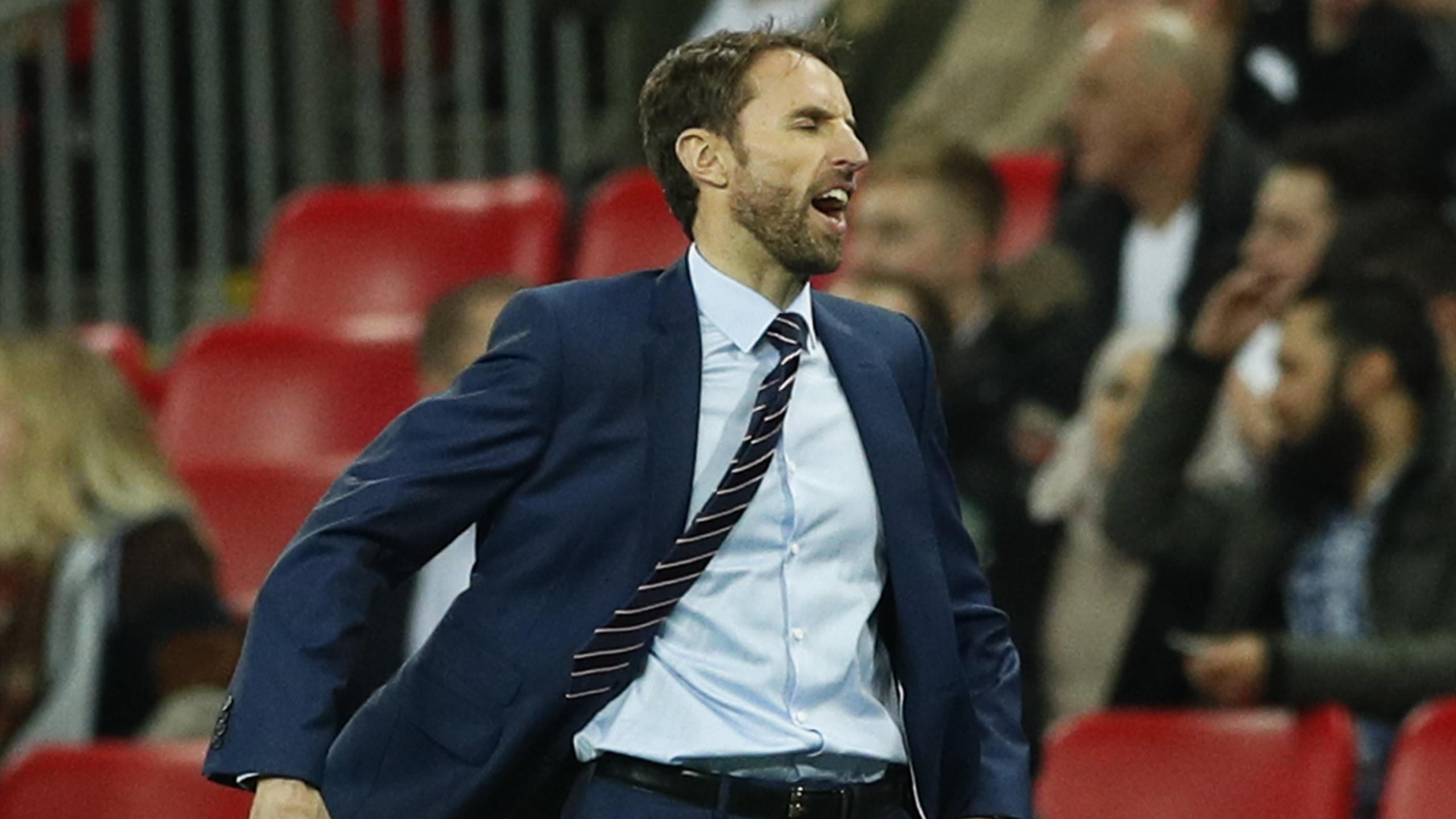 Gareth Southgate reacts to Spain's equaliser
