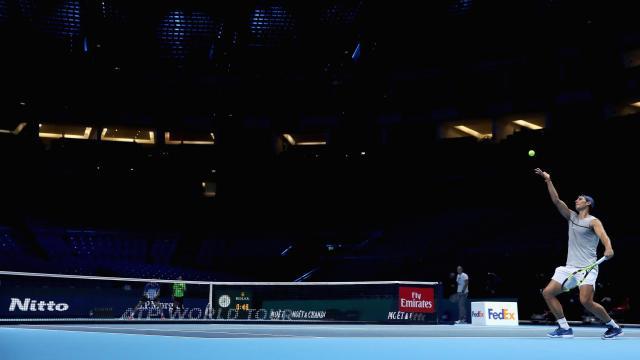 Rafa Nadal durante un entrenamiento en el O2 Arena antes de la disputa de las ATP Finals