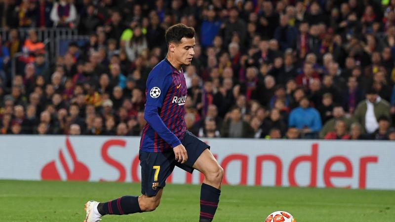 Philippe Coutinho of Barcelona scores his team's second goal during the UEFA Champions League Round of 16 Second Leg match between FC Barcelona and Olympique Lyonnais at Nou Camp on March 13, 2019 in Barcelona, Spain