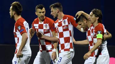 Euro 2020 qualifiers round-up: Kramaric nets late Croatia winner, Piatek rescues Poland