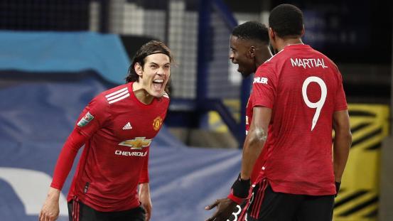 Edinson Cavani curler against Everton sends Manchester United to the Carabao Cup semi-finals