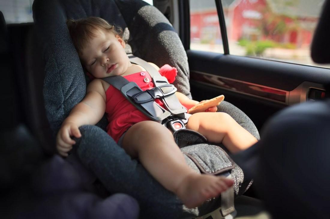 """Résultat de recherche d'images pour """"enfant dans un vehicule canicule"""""""