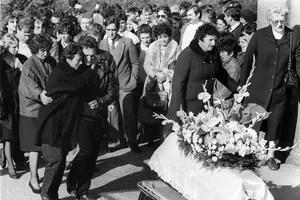 L'enterrement du petit Grégory.