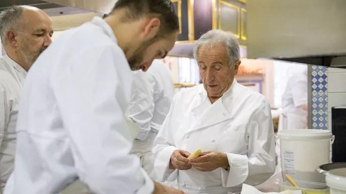 Michel Guérard dirige les cuisines. Depuis 1977, la Table des Prés d'Eugénie affiche 3 Macarons dans le guide Michelin. © C Clanet