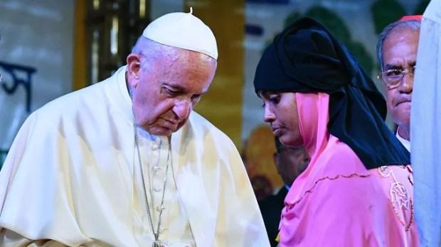 Rencontre etre le pape Fraçois et des représentats des réfugiés Rohingyas, le 1er décembre à Dacca au Bangladesh.