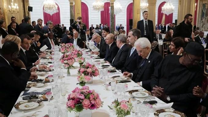 130 personnes ont participé au déjeuner à l'Élysée. <br/>