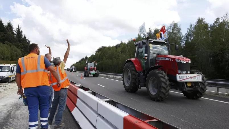 Les convois partis de Bretagne, de Normandie, des régions du centre et du Nord-Pas-de-Calais, notamment, ont pris la route de la capitale dès mardi.