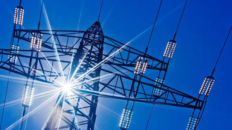 La CRE a notamment pour mission de valider les programmes d'investissement de Réseau de transport d'électricité (RTE), la filiale d'EDF en charge des lignes haute et très haute tension. Crédit: Fotolia