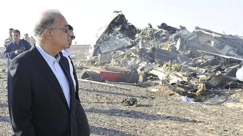 L'Airbus A321 de la compagnie Kogalymavia, plus connue sous le nom de Metrojet, avait effectué son premier vol en 1997. Le premier ministre égyptien s'est rendu sur les lieux du crash.