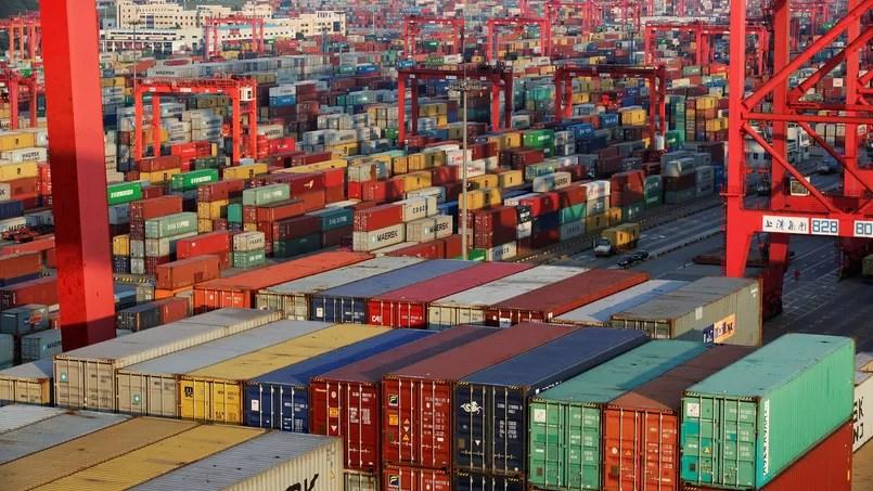Des containers dans le Port de Yanshan à Shanghai