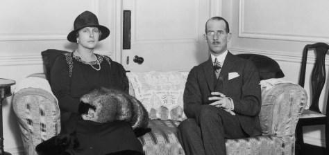 Schizophrène, mystique, exilée : la mère énigmatique du prince Philip,  longtemps oubliée des Windsor - Madame Figaro