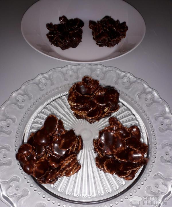 Пасхальные шоколадные гнезда фото Красивый и оригинальный пасхальный десерт: шоколадные гнезда