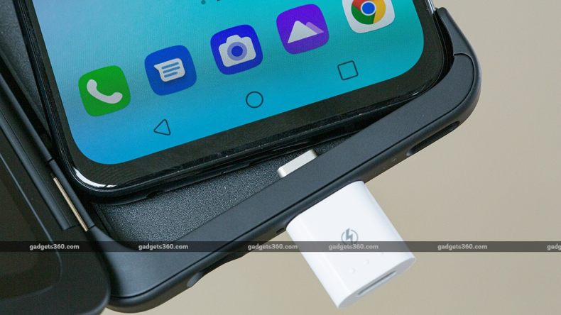 LG G8x Review Case Connector Inside2 LG G8X ThinQ Review