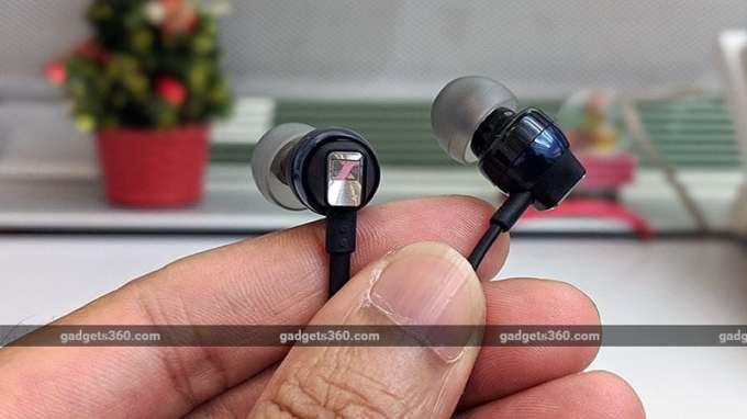 Sennheiser CX6BT closeup ndtv headphones