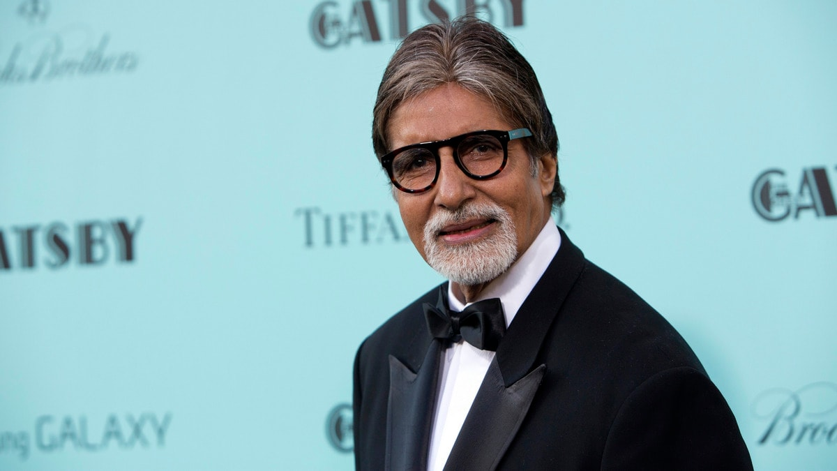 Amitabh Bachchan Gets Trolled for Sharing Fake News on Twitter, Again