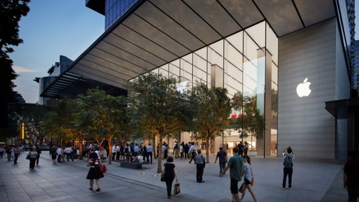 Apple Opens Store in Singapore, Its First in Southeast Asia