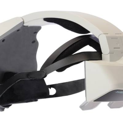 Doctors Perform Spinal Surgery Guided By AR Headset