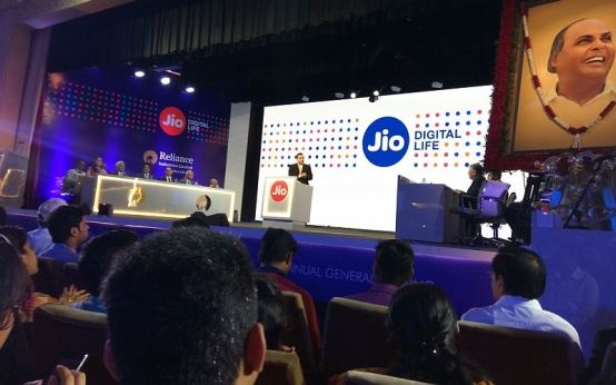 Reliance Jio Confirms VoLTE Voice Calls Wont Count Against Your Data Usage but Video Calls Will